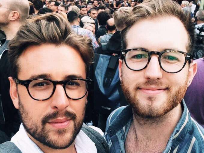 sains11 1 Hundreds Stage Kiss In Protest After Gay Couple Kicked Out Of Sainsbury's