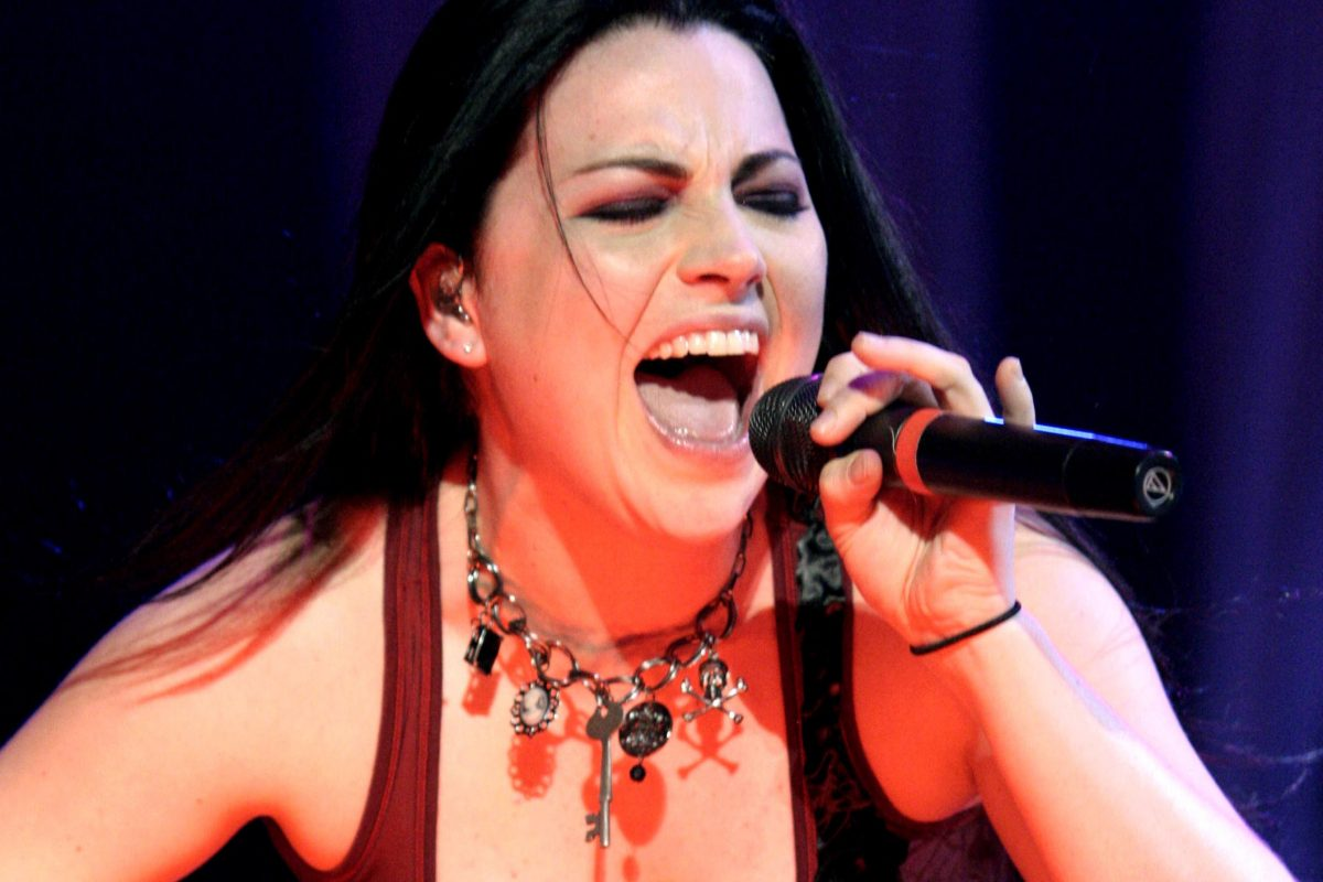 Amy Lee GothWEB 2 1200x800 Remember Evanescence? Their Singer Makes Very Different Music Now