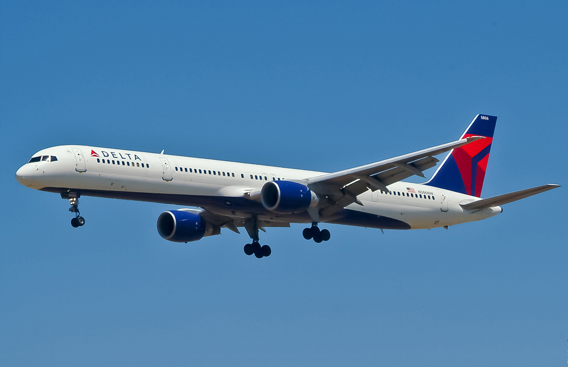 Delta Air Lines B757 351 N586NW LAX How F 16 Fighter Pilot Tried To Stop 9/11 By Sacrificing Her Own Life