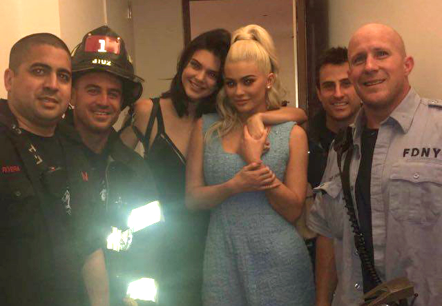 SnapFDNYJenner Kylie And Kendall Jenner Get Stuck In Lift, Unfortunately Get Released By FDNY