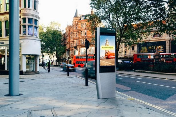 11677UNILAD imageoptim 6467 Free Wi Fi And Charging Points To Replace Phone Boxes