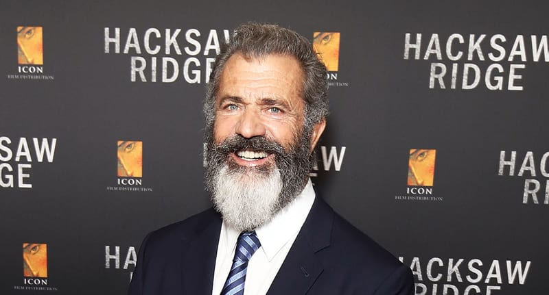 Mel Gibson Forced To Defend His Relationship With 26 Year Old Girlfriend 2315UNILAD imageoptim MelGibsonFB