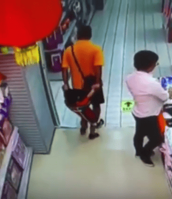 25673UNILAD imageoptim supermarket CCTV Films Moment Dad Kills Son In Tragic Supermarket Accident