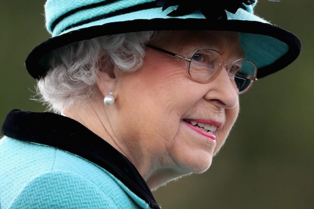 39663UNILAD imageoptim GettyImages 614283594 640x426 Republican Movement Wants Referendum On Royal Family After Queens Death
