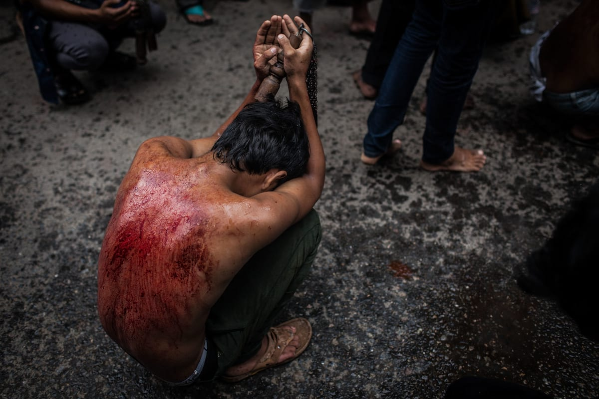 Ashura Festival Of Flagellation Shows The Extremes Of Religious Devotion 39939UNILAD imageoptim GettyImages 458374288