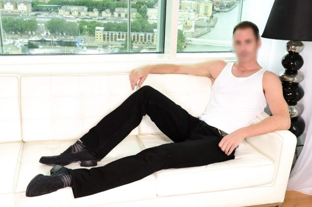 58913UNILAD imageoptim 1 blurred 640x426 Worlds Number One Male Escort Reveals The Oddest Thing Hes Been Paid To Do