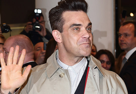 Robbie Williams Shares Creepy AF Sex Story About His Cleaning Lady robbie1