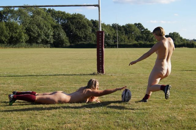 17754UNILAD imageoptim SWNS RUGBY NAKED 05 640x426 Womens Rugby Team Strip Fully Naked To Raise Awareness Of The Game