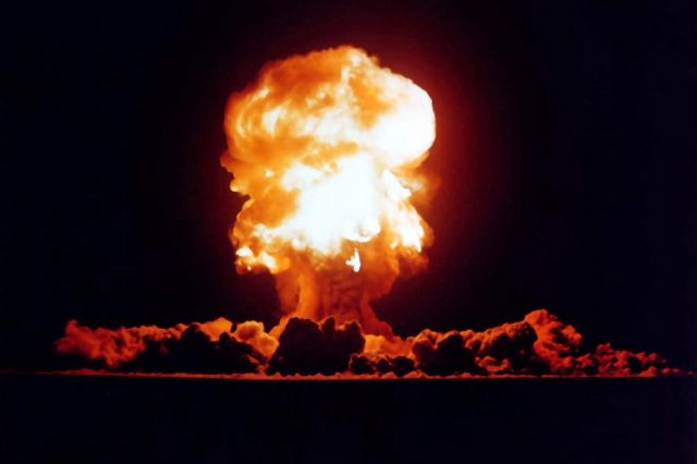 22148UNILAD imageoptim Plumbbob Fizeau 640x426 Heres When Trump Will Get Nuclear Codes And How Easy They Are To Use