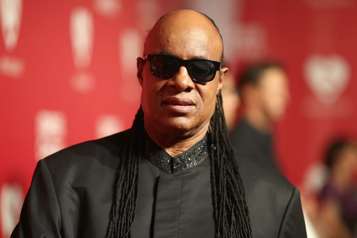 3156UNILAD imageoptim GettyImages 510110922 Theres Proof That Stevie Wonder Isnt Actually Blind