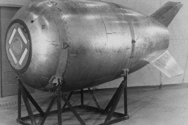 38533UNILAD imageoptim Mk4 Fat Man bomb 639x426 Diver Finds Infamous Missing Nuclear Bomb, Solves 60 Year Mystery