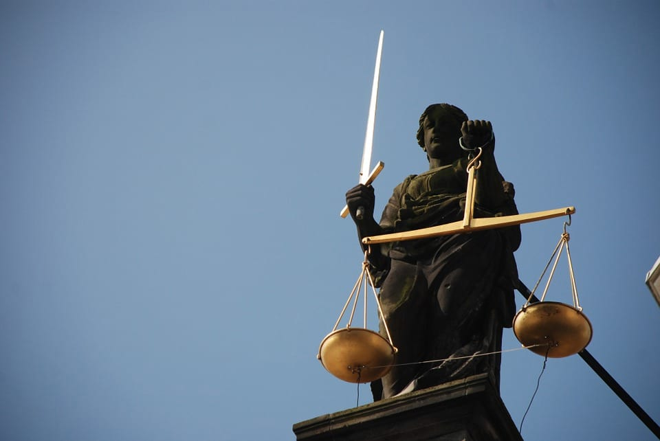 46803UNILAD imageoptim lady justice 677945 960 720 Does The Law Work In Favour Of Rapists?