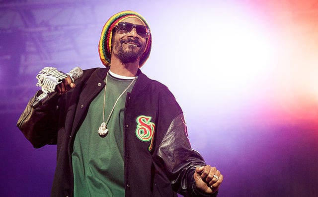 Snoop Doggs Reaction To Kanyes Latest Bizarre Rant Is Priceless 49836UNILAD imageoptim 640px Snoop Dogg performing at Hovefestivalen 2012