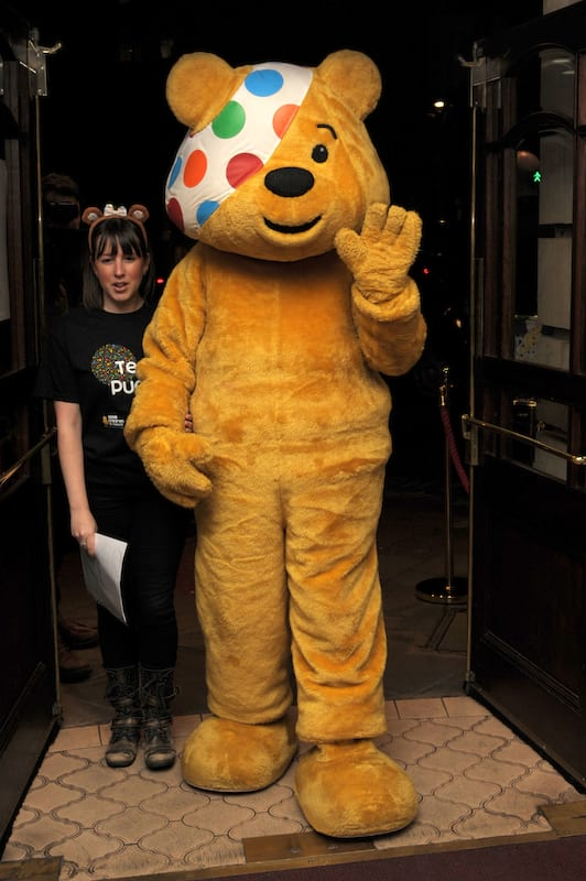 5013UNILAD imageoptim pudsey1 Pudsey The Bear Pictured With Young Girl With His D*ck Out