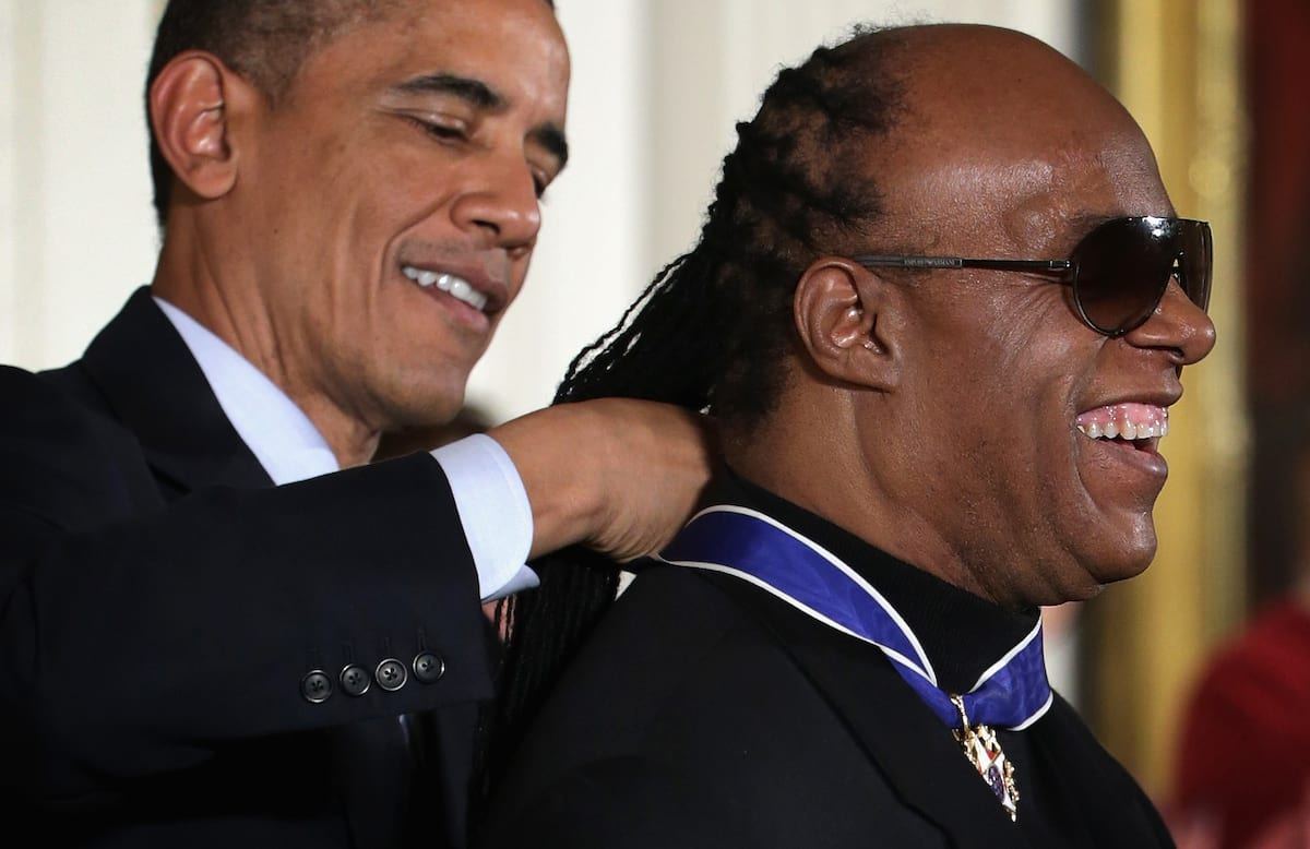 51642UNILAD imageoptim GettyImages 459528956 Theres Proof That Stevie Wonder Isnt Actually Blind