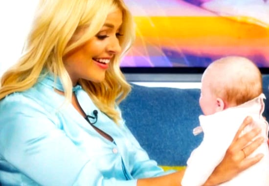 Holly Willoughby Plans To Deliver Baby Live On This Morning