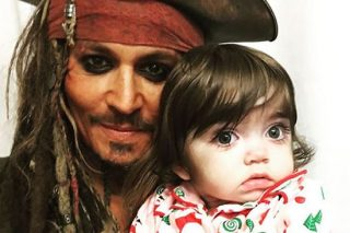 Johnny Depp Dresses As Jack Sparrow To Visit Sick Children