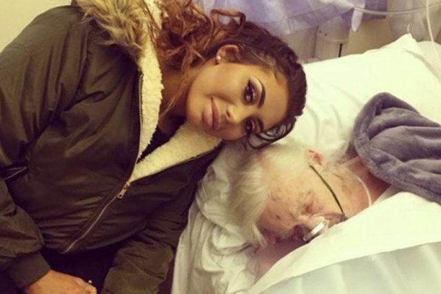 Geordie Shore Star Slammed For Sharing Pics Of Dying Nan 18623UNILAD imageoptim MAIN Screen Shot 2017 01 01 at 195922 640x426