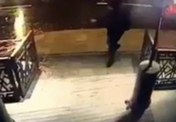 25396UNILAD imageoptim THP MDG 010117istanbul 46JPG 615x426 CCTV Captures The Moment NYE Nightclub Attacker Opened Fire