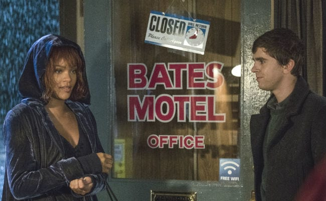 Rihanna Watches Her Own Bates Motel Debut, Reacts Brilliantly