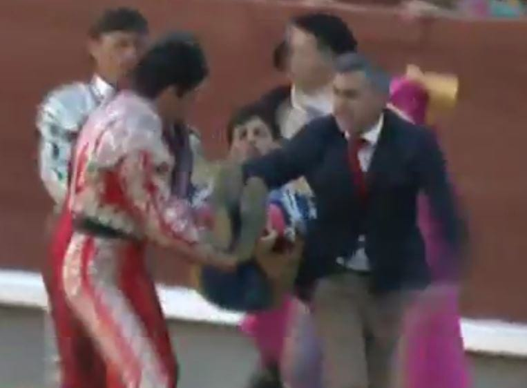 Bullfighter Savagely Gored Through The Throat On His Debut 27 raging bull 4
